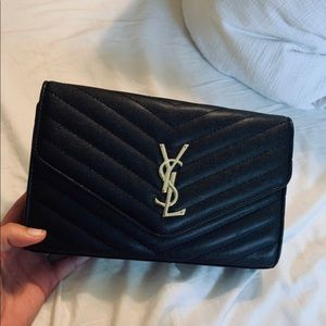 Luxury black bag, used for one hour, brand new